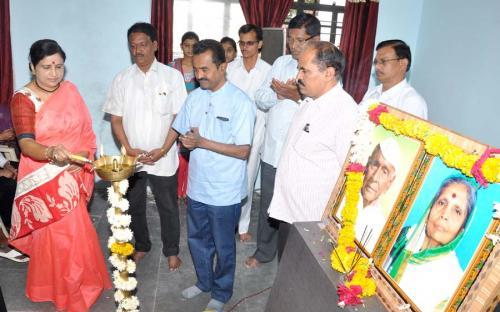 Dr. Jayant shewalekar & Dr. Mrs. D.B. Kshirsagar Principal